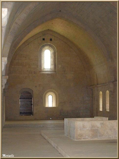 A l'étage, l'ancien dortoir des moines de l'abbaye de Silvacane, Vallée de la Basse Durance (13)
