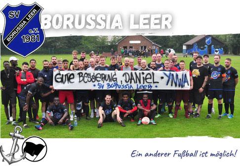 Banner der 1. und 2. Herrenmannschaft des SVBL für Borussia-Spieler Daniel Janßen.