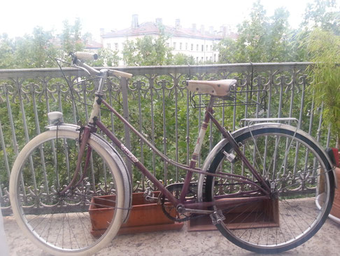 vélo ancien balcon