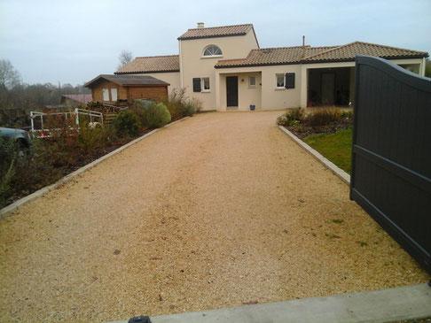 All es maison garage travaux publics terrassement for Garage ford loire atlantique