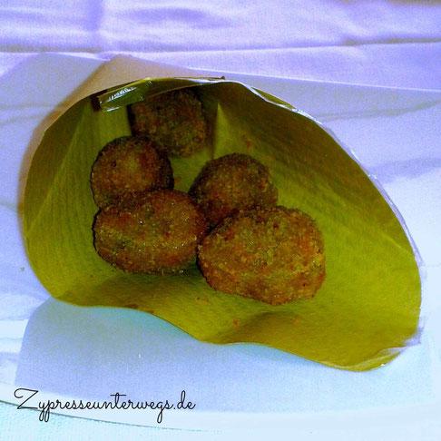 gefüllte und frittierte Oliven