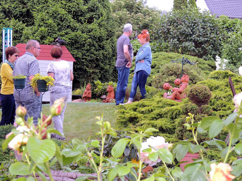 Töpferwerke ziehen sich durch das Gartenreich.