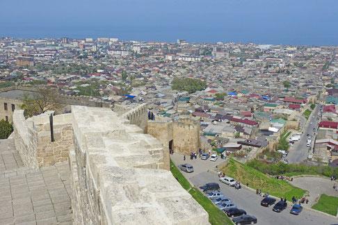 Derbent Naryn-kala Blick auf das Kaspische Meer