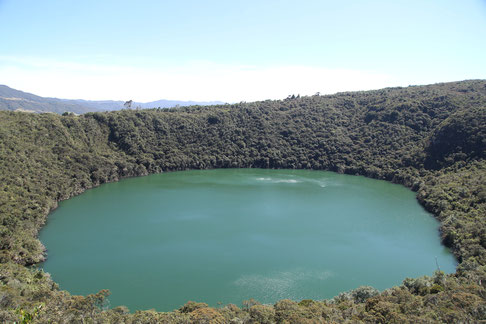 It exist many legends and myths about the emerald green lake in Guatavita.