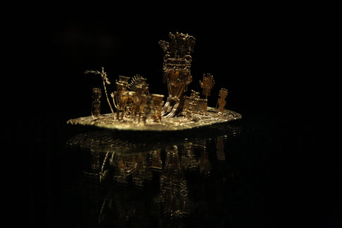 "The legendary golden float with the scene of ""El Dorado"". It´s the higlight of the Museo del Oro."