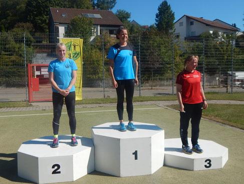 Mit Phoenix-Doppelsieg: Natascha Wolf (links) und Bettina Schardt (Mitte)!