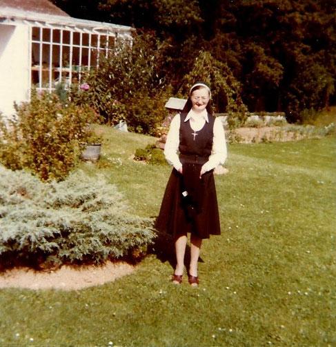 1975; LES SAPINS