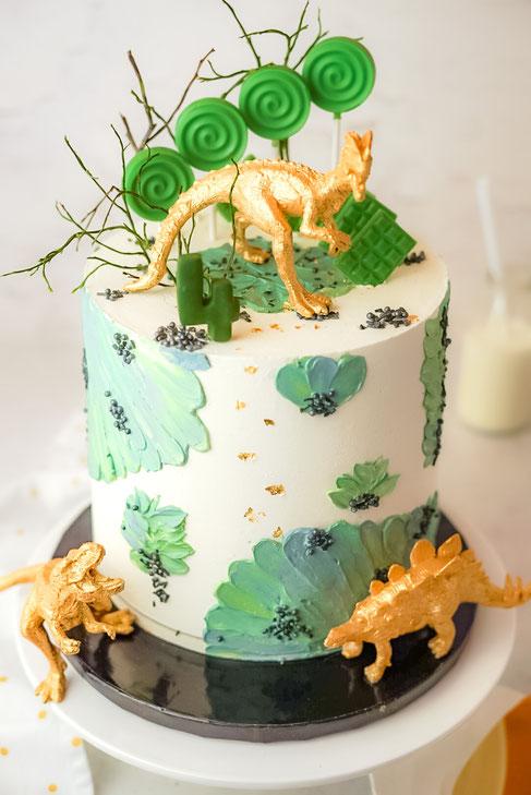 Dino Torte mit Vanille - Schoko - Geschmack