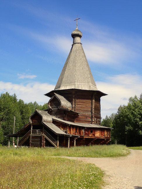 St. Georgs Kirche von 1672 aus dem Gebiet Wologda im Freilichtmuseum Malye Korely bei Arkangelsk