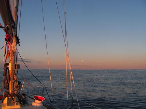 Vollmond und ruhige Barentssee...