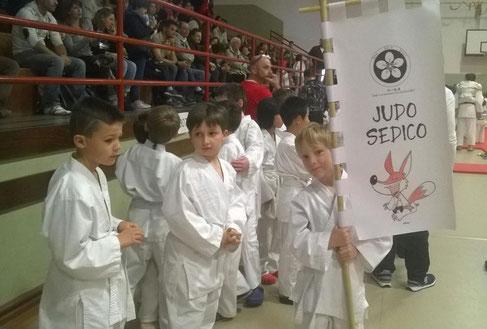 I Bambini dell'Asd Doushindojo - Judo Sedico - con il loro Sashimono!!