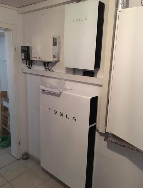 Tesla Speicher für eine bestehende Photovoltaikanlage © iKratos