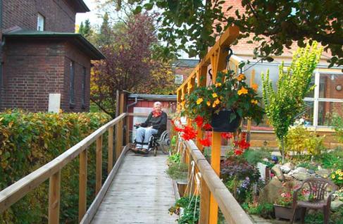 Barrierefreie Wege über Rampen, Rollstuhl,