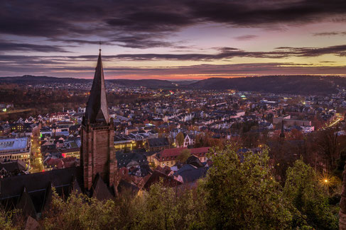 Lutherische Pfarrkirche mit Blick auf Marburg | Bildquelle: Pixabay