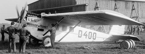 1920px-Dornier_Komet_II_D-400_Dübendorf_-_LBS_SR02-10173_(tight_crop,_grayscale)