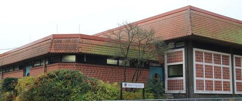 Sporthalle Friedrich-Fröbel-Schule aus Seitenansicht