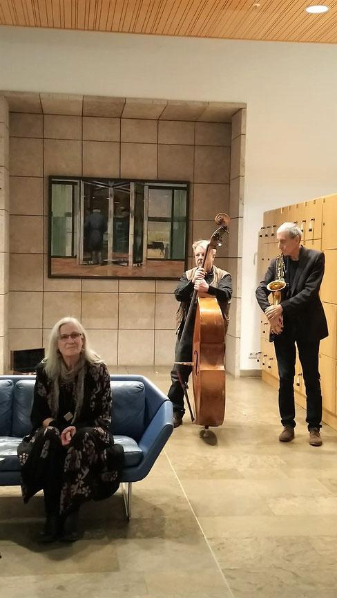 4. Mit den Musikern: Joachim Leippold, Saxophon, und Tobias Festl, Bass