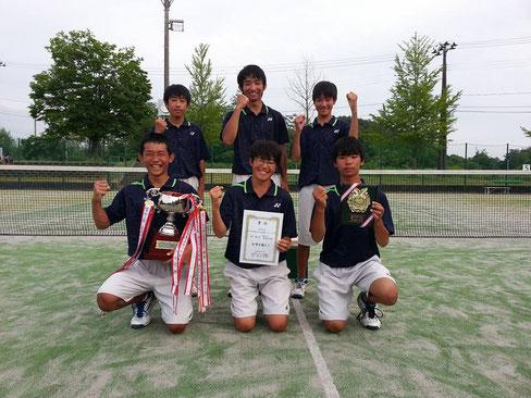 男子優勝  巻西中学校