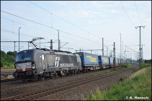 193 700-2 zieht am 16. Juli 2021 einen Lkw-Walter-Zug durch Luth. Wittenberg gen Berlin