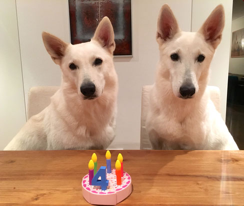 Schwester Milka und Mama Arjuna feiern den Geburtstag