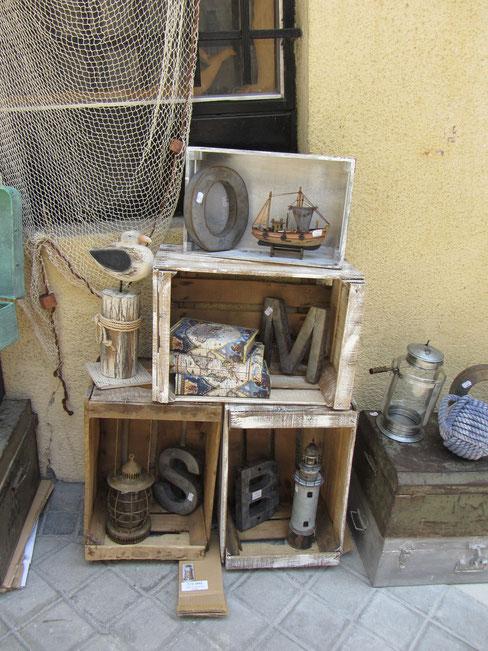 Decoración vintage náutica cajón madera faro