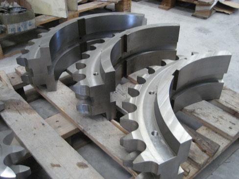 Fig.1: Partes de corona dentada para la máquina de reciclado de caucho.