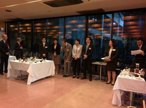 (右から)司会の森山さん、原さん、26年度新会員の田中さん、平島さん、小山さん、久保さん、増田さんです。