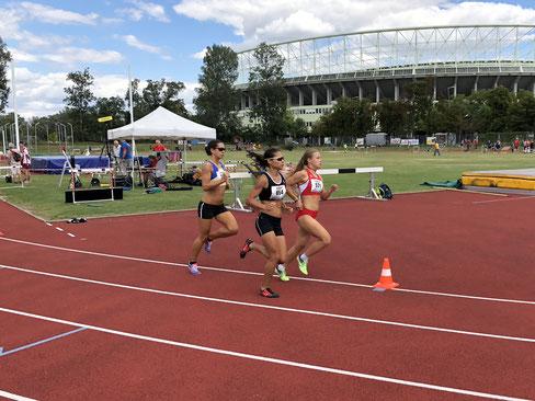 Julia Mayer Läuferin Wien Landesmeisterschaften Mittelstrecke