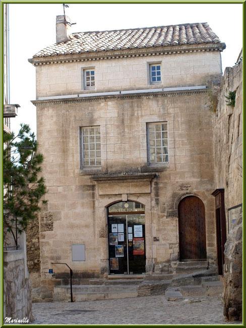 La Maison du Roy (Office de Tourisme), Baux-de-Provence, Alpilles (13) - façade côté intérieur cité