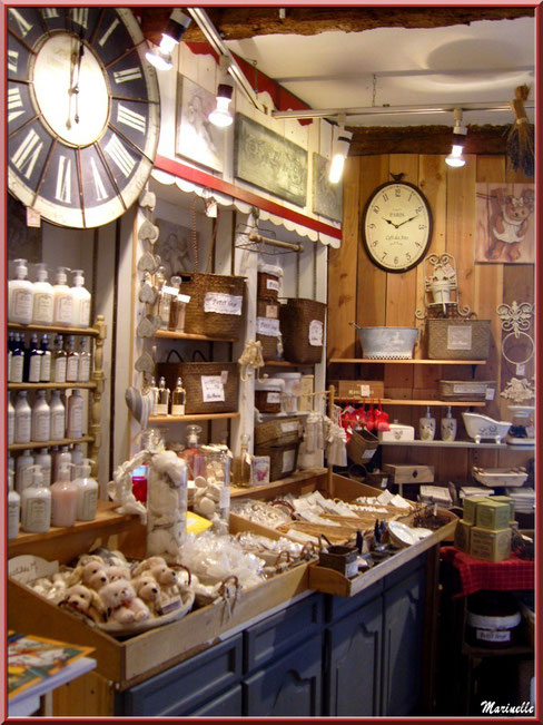 """Boutique """"Le Cheval à Bascule"""", Baux-de-Provence, Alpilles (13)"""