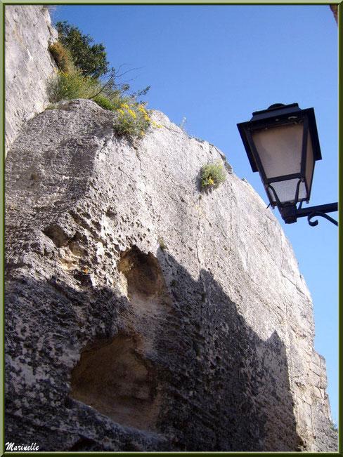 Vestiges et lanterne, Baux-de-Provence, Alpilles (13)