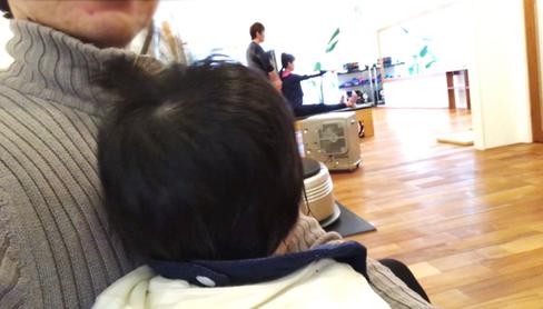 赤ちゃんとレッスン見学中