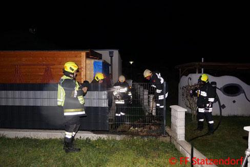 Feuerwehr; Blaulicht; FF Statzendorf; Brand; Komposthaufen;