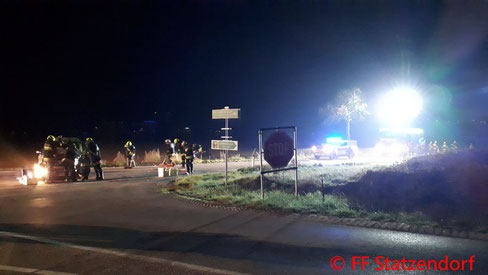 Feuerwehr; Blaulicht; FF Statzendorf; Unfall; PKW; L110; Kreuzung;