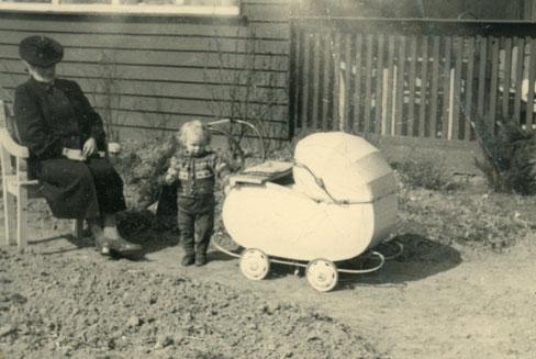 Mit Großmutter 1951