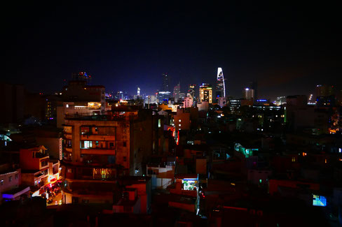 "Saigon by night | von der ""The View Rooftopbar"""