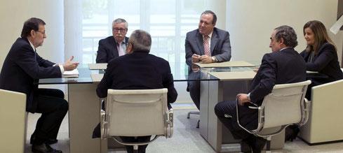 Rajoy se reúne con los interlocutores sociales. (Efe)  Leer más:  El Gobierno pone en manos de centros privados la formación de los trabajadores - Noticias de Economía  (Efe)