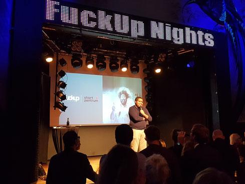 «FUCKUP NIGHTS» ZÜRICH 2018, Moderator © Greenfranchise Lab®
