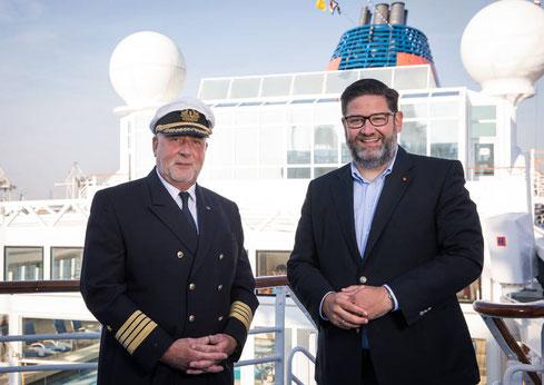 Kapitän Andreas Greulich und Kapitän Dag Dvergastein auf der EUROPA