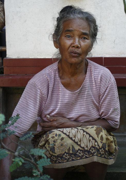 L'épouse du vieille homme Balinais