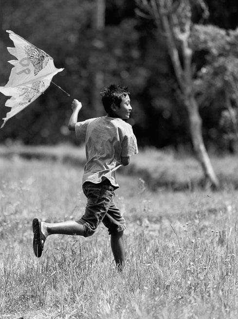 L'envol (portrait d'un enfant Balinais)