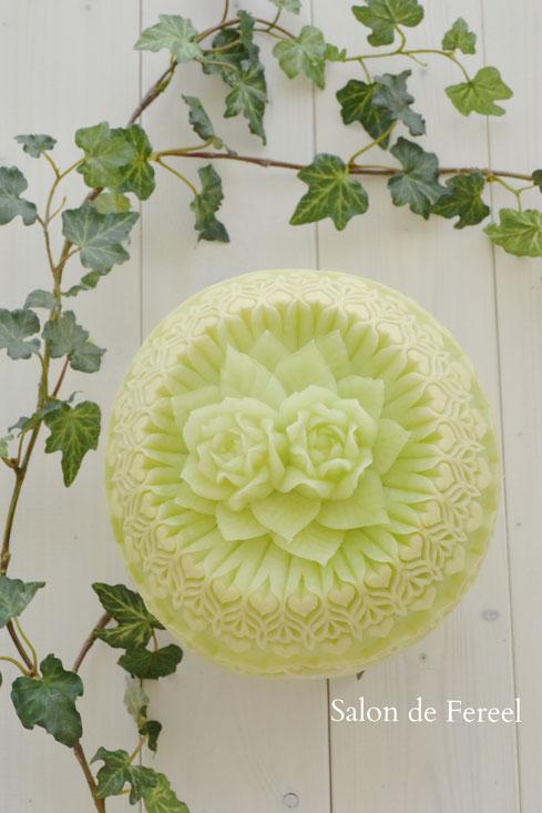 カービング スイカ 彫刻 誕生日 結婚式 メロン フルーツカービング 教室 大阪 薔薇 ソープカービング  プレゼント オーダー フラワーケーキ