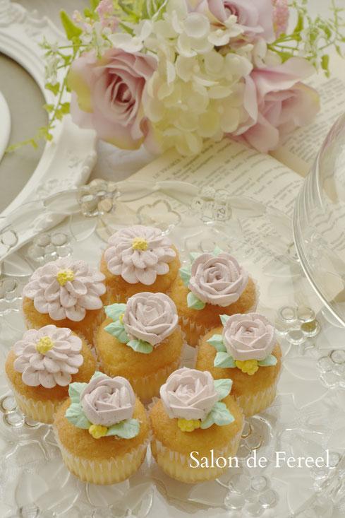 フラワーケーキ  大阪 ケーキ 教室 習い事 スイーツ 田中聖子 ケーキ教室 お菓子教室 スウィーツ カップケーキ