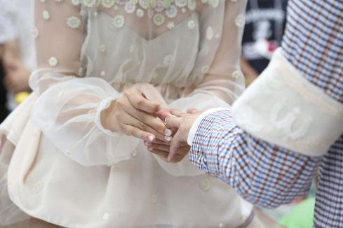 SFW結婚指輪の交換