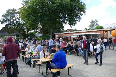 Bierwagen Klüvers Reinbek Burger Foodtrucks Oher hofladen Gintasting