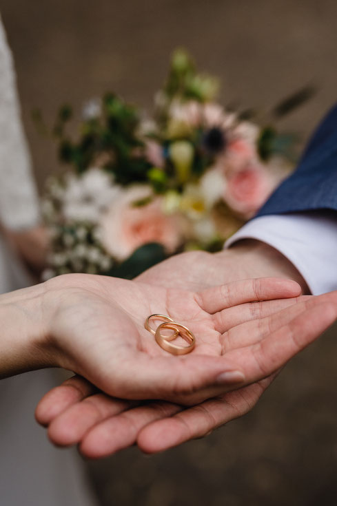 Eheringe, Hochzeit, Trauung im Celler Schloss, Hände