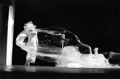 Susanne Linke Wowerwiewas Urauffuehrung 1980 Fotomontage Heidemarie Franz