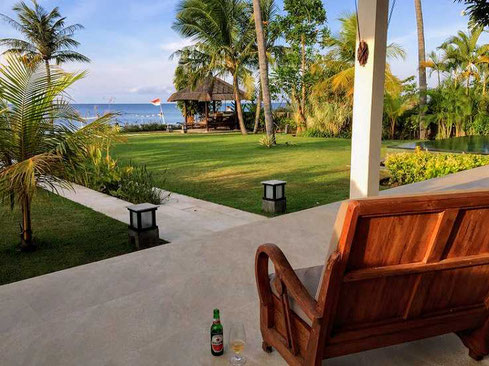 Beautiful beachfront villa for sale in Brongbong, North Bali. For sale by owner.