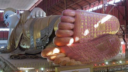 Bouddha couché de la pagode Chaukhtatgyi