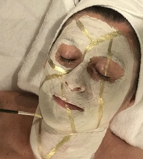 kintsugi workshop goud littekens ervaring perfecte imperfecties gezicht masker seksueel misbruik